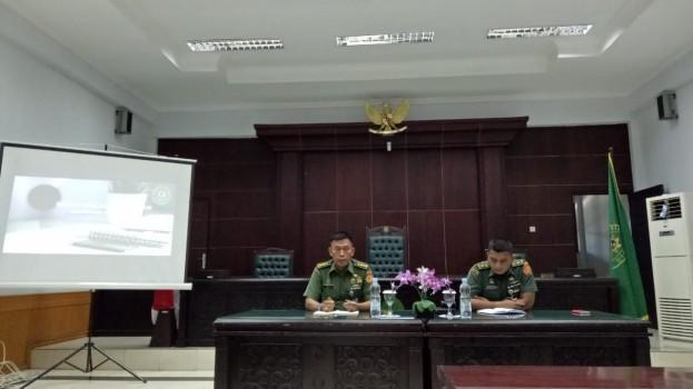 RAPAT EVALUASI BULANAN DI PENGADILAN MILITER I-06 BANJARMASIN