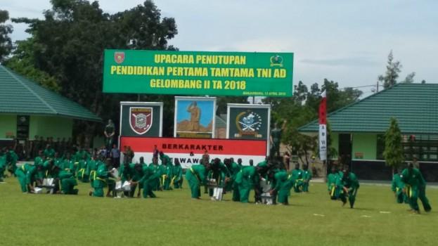UPACARA PENUTUPAN PENDIDIKAN PERTAMA TAMTAMA TNI AD GELOMBANG II TA 2018